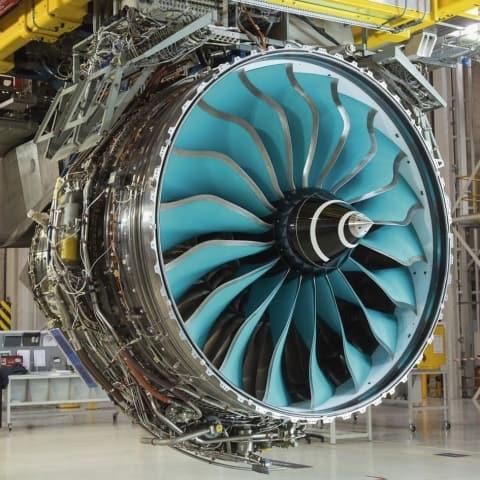 Carbon titanium fan (Rolls-Royce)