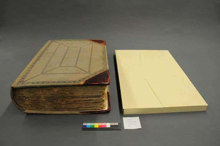 Foldered and housed detached pages in a 4-flap wrapper