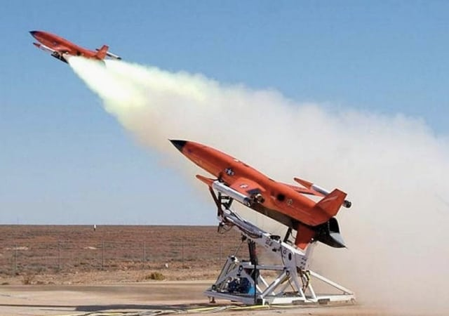 A BQM-167X aerial target being launched at USN's Point Mugu Test Range in 2008 (CEi)