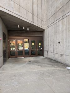 photo of entrance to Hardin Library