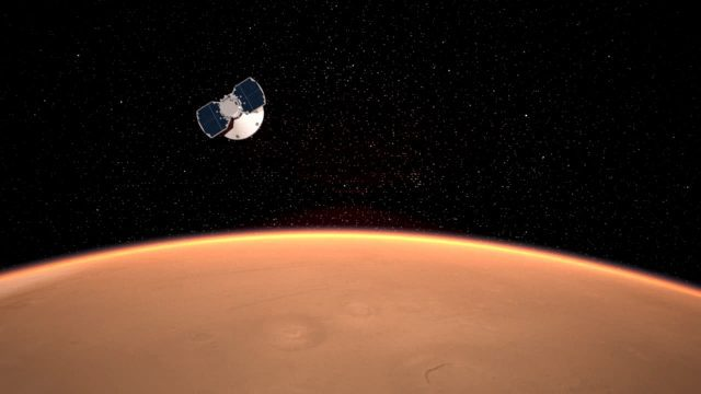InSight Approaching Mars