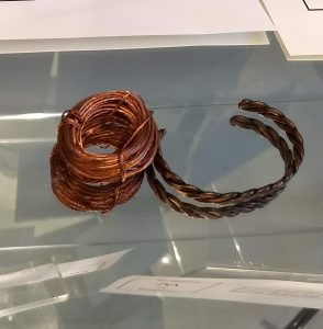 Image of copper wire and bracelet