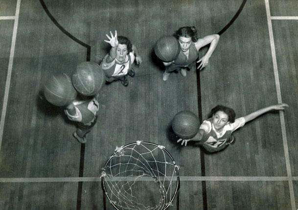 Basketball practice, 1938 | University of Iowa Physical Education for Women