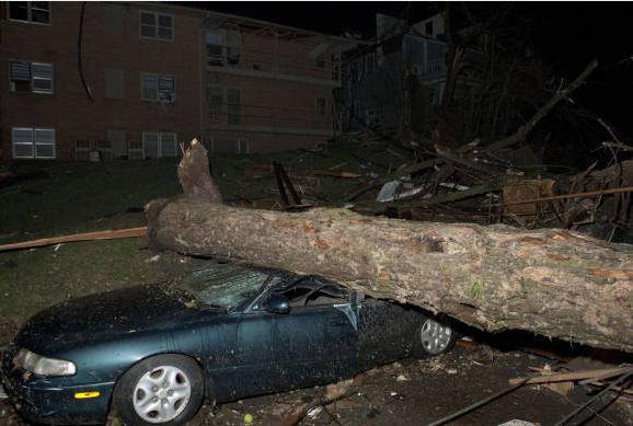 Tornado damage, Iowa City, April 2006 | University Communication and Marketing Photographs