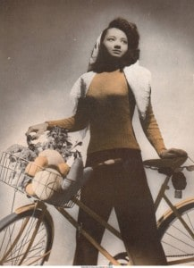 Arlene_Roberts_Morris_posed_with_bicycle_Iowa_City_Iowa